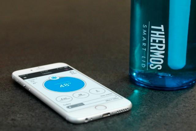 Kolik vody jste dnes vypili? Nevíte? Chytrá láhev to ví za vás!
