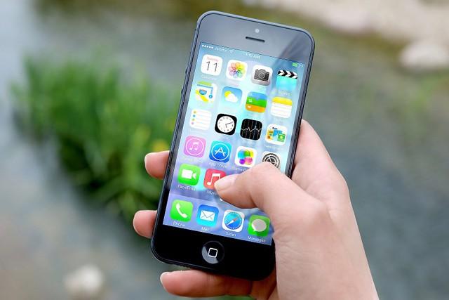 Apple zvažuje, že umožní svým uživatelům skrýt předinstalované aplikace na iPhonech