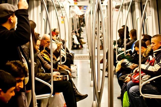 Musím končit, jsem v metru! Tak téhle frázi již brzy odzvoní.