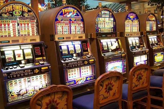 Senát schválil regulaci hazardu i blokování webů