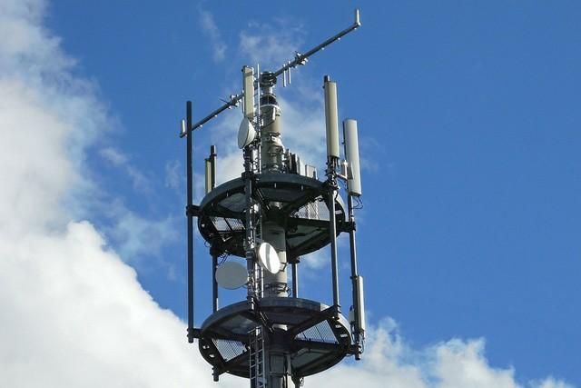 LTE kmitočty byly vydraženy za 2,6 mld. korun