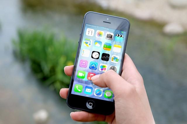 ESET: Třetina Čechů si nezamyká mobilní telefon