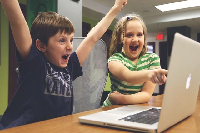 Jak zajistit bezpečnost dětí na internetu