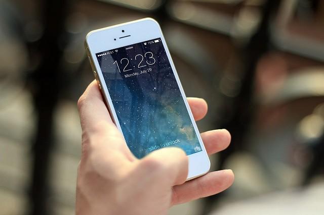 Nemáte na iPhone? Tyto 3 telefony se mu bez problému vyrovnají