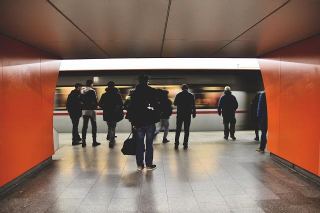 V pražském metru je konečně Wi-Fi