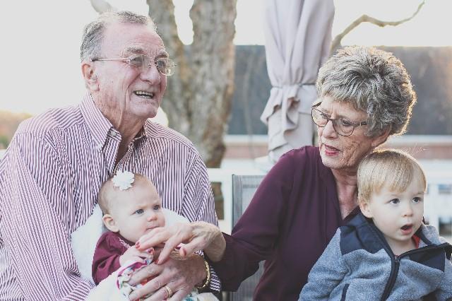 Telefony nejen pro seniory: Pevná linka není minulost