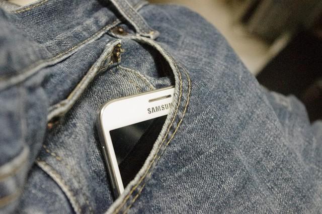 Samsung představil ohebný telefon