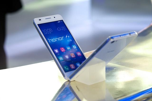 EU možná zakáže spolupráci s Huawei na 5G