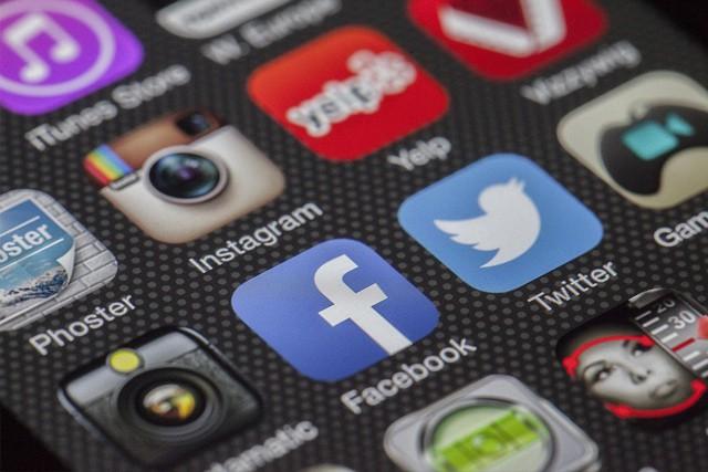 Obří výpadek Facebooku a dalších služeb