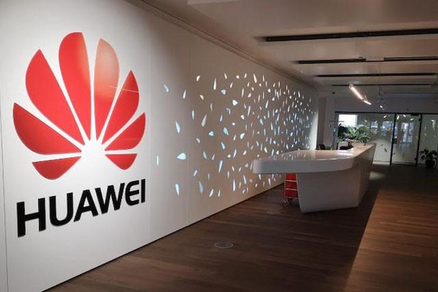 Huawei získal zakázky pro ministerstva i Českou televizi