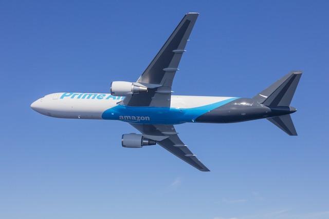 Amazon staví letiště pro přepravu svých balíků