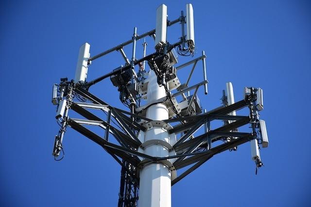 Kmitočty pro 5G sítě by měli operátoři získat už vdubnu