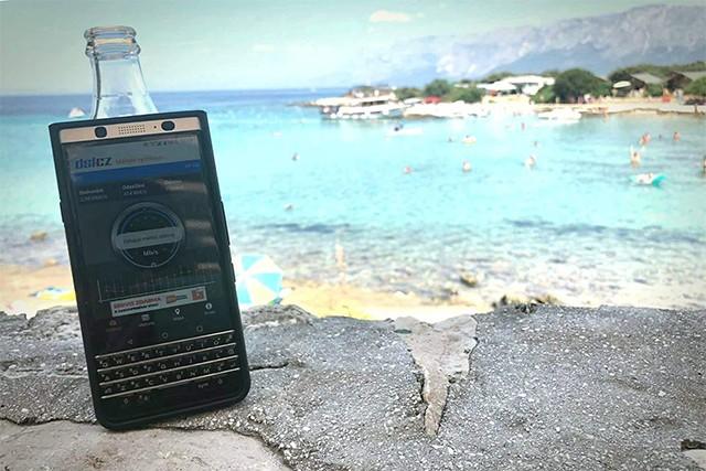 Omezuje T-Mobile rychlost neomezených dat v zahraničí?