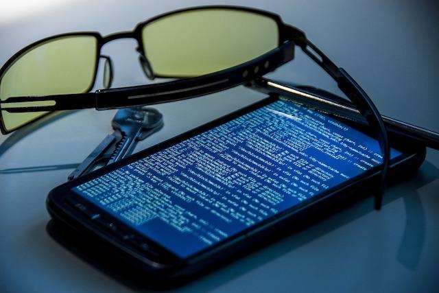 Přes SMS se šíří nový nebezpečný virus