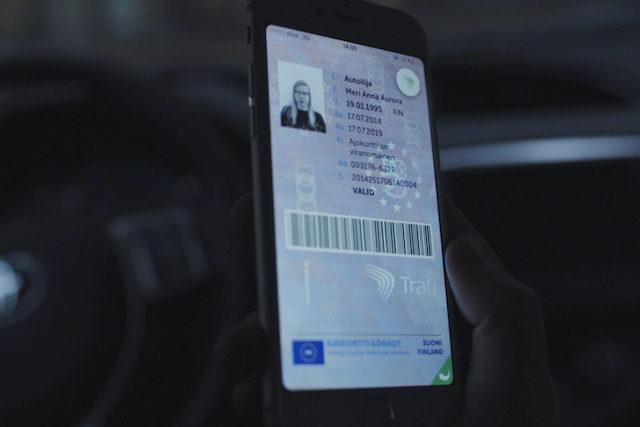 Občanka a řidičák v telefonu? Už brzy je tam nahrajeme podobně jako platební karty