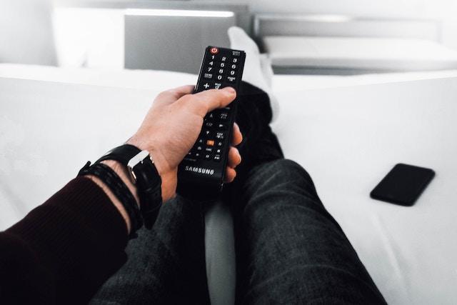 Výpadky signálu DVB-T2: Co je způsobuje a jak je řešit?