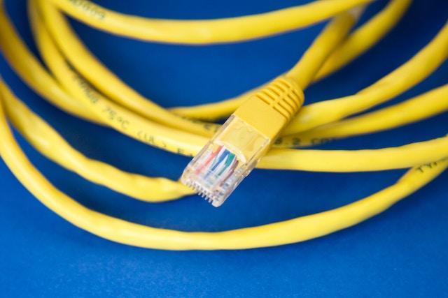 Cetin investuje stamiliony do zavedení rychlého internetu na vesnicích