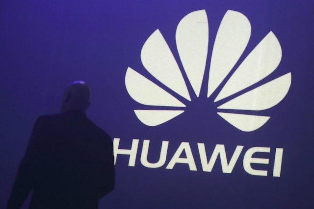 NATO chce kvůli Huawei přezkoumat bezpečnost 5G sítí ve Velké Británii