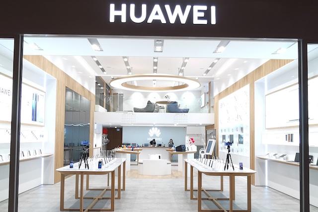 USA umožní firmám omezeně spolupracovat s Huawei