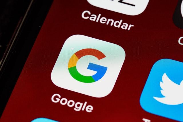 Google začne platit francouzským autorům za využívání jejich obsahu