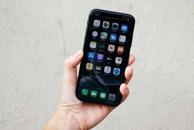 Čína zakázala 105 mobilních aplikací