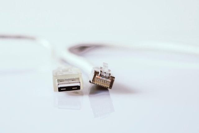 MPO investuje 1,9 miliardy korun do budování vysokorychlostního internetu