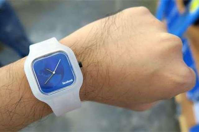Chytré hodinky od Facebooku: Známe parametry i cenu