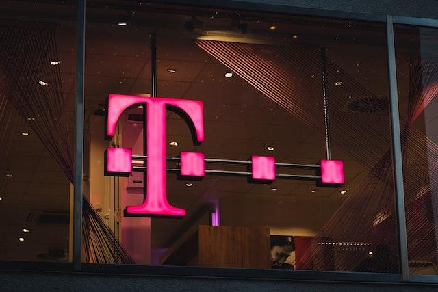 T-Mobile zažaloval ČTÚ kvůli rozhodnutí ve sportu s Českým bezdrátem