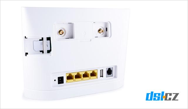 O2 Optimal Air: zadní strana modemu bez krytek